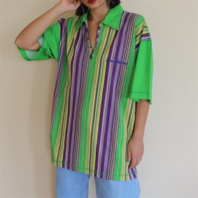 Vintage unisex oldschool 90s collection striped tshirt